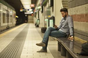 texting-at-station